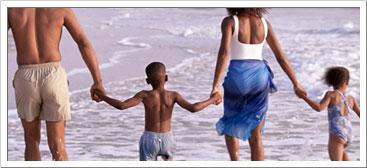 beach-family-water